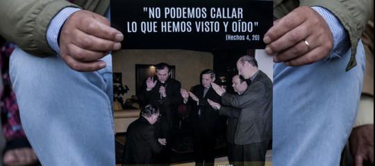 pedofilia vescovi cileni dimissioni papa francesco