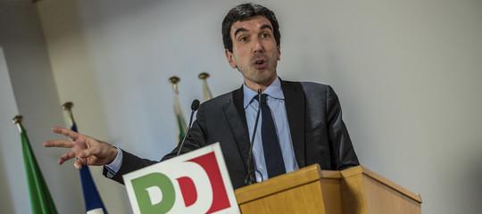 Pd: no al congelamento delle dimissioni di Renzi, l'ex segretario scende al 57%