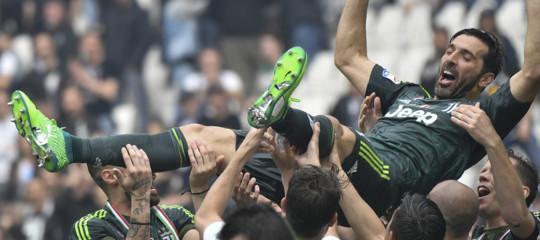 Calcio:Juventuscampione d'Italia, la festa è tutta per Buffon