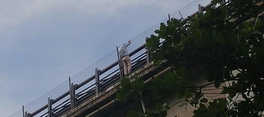 Si è suicidato l'uomo che aveva gettato la figlia da un viadotto nel chietino