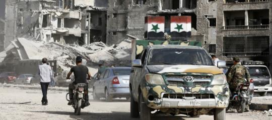"""Assad riprende il """"controllo totale"""" di Damasco. E ora l'Iran è più solo"""