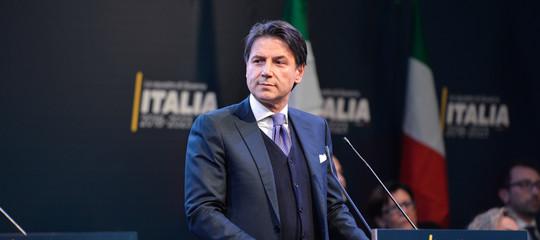 Mattarella dà l'incarico a Conte, che accetta con riserva