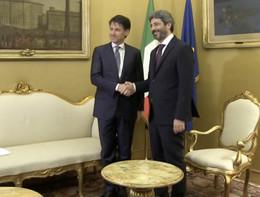 """Fico incontra Conte a Montecitorio e scherza: """"Ti vedo bene, però"""""""
