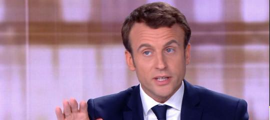 """Macron loda il """"coraggio"""" diMattarella, Merkelauspica un """"governo stabile"""""""