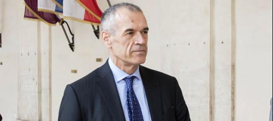 Carlo Cottarelli attende sviluppi di un possibile governo politico