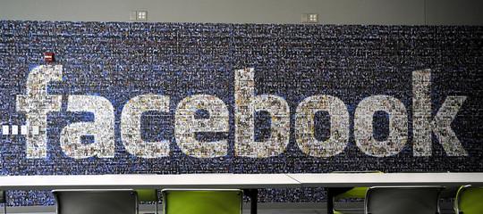 Le associazioni dei consumatori lanciano una classactioncontro Facebook