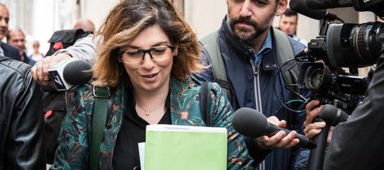 """Castelli (M5s): """"Stupisce che Savona non faccia un passo indietro"""""""