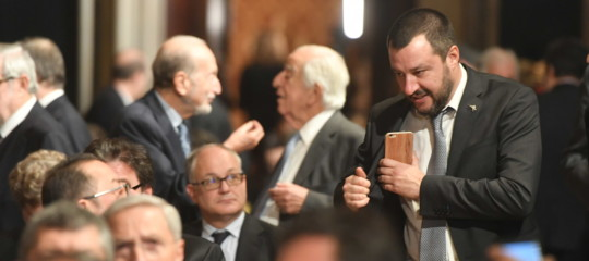 Governo: Salvini chiamato a Roma salta comizio nel milanese