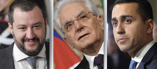 """In attesa di un governo gli italiani si divertono con il """"Generatore automatico di governi"""""""
