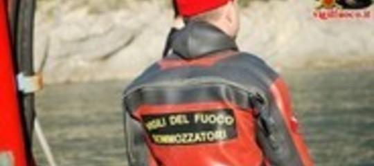 Uomo disperso nel lago di Castel Gandolfo dopo tuffo dal pattino