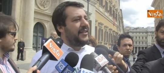 Governo: Salvini, FI dia una mano e non resti alla finestra