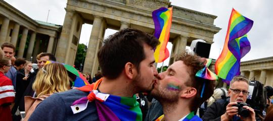 Famiglia: Corte Ue riconosce matrimonio omosessuale
