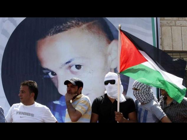 """M.O.: rivelazione choc dall'autopsia, """"il 16enne palestinese e' stato bruciato vivo"""""""