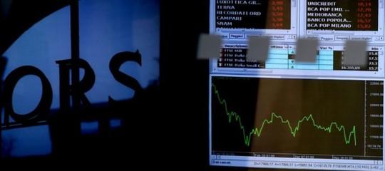 Borsa: lo spread torna a salire, mercato in calo (-1,07%)giu' le banche