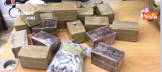 Droga: maxi-sequestro al largo della Sicilia, 10 tonnellatedi hashish su una nave