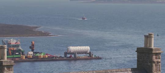 Cosa fa ildatacentersottomarino diMicrosoftcalato in acqua il primo giugno
