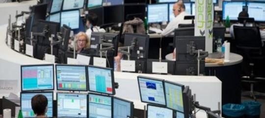 Borse europee in calo, Milano la peggiore (-1,33%); risale lo spread