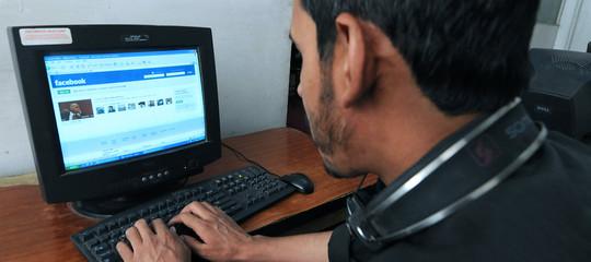 Cosa sapere per evitare il licenziamento dopo un commento su Facebook