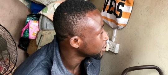 Quelle pillole antidolorifiche sono la nuova droga dei disperati africani