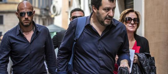 """Salvini chiude i porti ai barconi. """"Da oggi anche l'Italia comincia a dire no"""""""