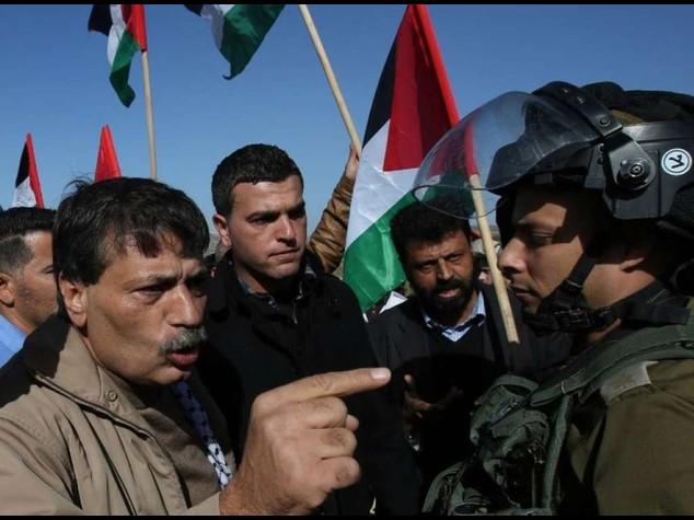 Scontri in Cisgiordania, muore ministro palestinese. Ira di Abu Mazen