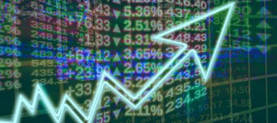 Borse europee chiudono in rialzo, Milano maglia rosa; spread in calo a 235