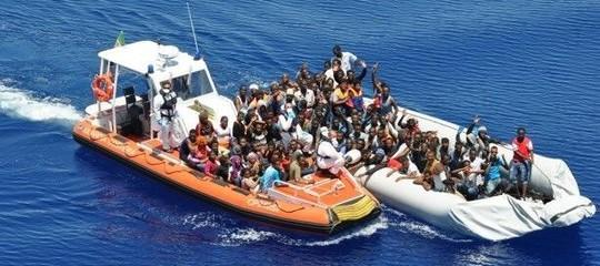 Un'altra navecon 937 migranti a bordo si sta dirigendo verso la Sicilia
