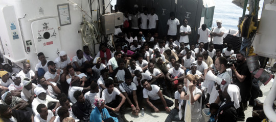 Migranti: iniziati trasferimenti, 90 daAquariussu nave Guardia Costiera