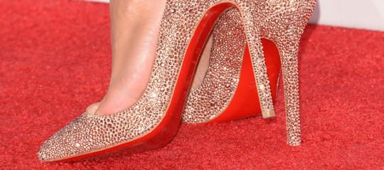 Louboutinvince labattaglialegale per la suola rossa delle sue famose scarpe