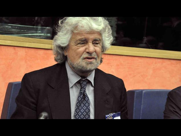 Grillo e i suoi martedi' davanti a Senato per dire no alla riforma
