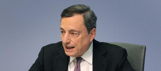 Bce: Draghi taglia le stime crescita del 2018 da 2,4% a 2,1%