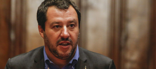 """Migranti: Salvini: """"Le due navi Ong al largo Libia cerchino porti non italiani"""""""