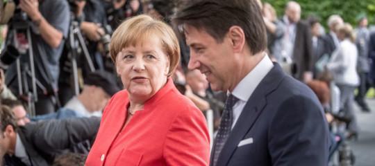 """Migranti: Merkel, """"Dobbiamo venire incontro alle richieste dell'Italia"""""""