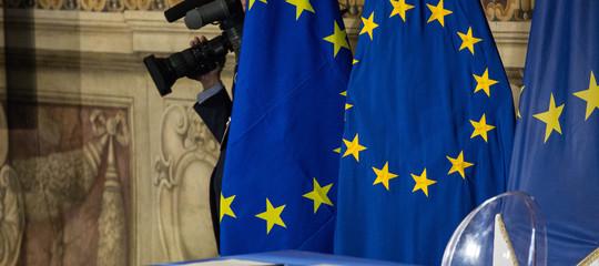 Migranti e politiche in Libia: nella bozza del consiglio Ue c'è il sostegno all'Italia