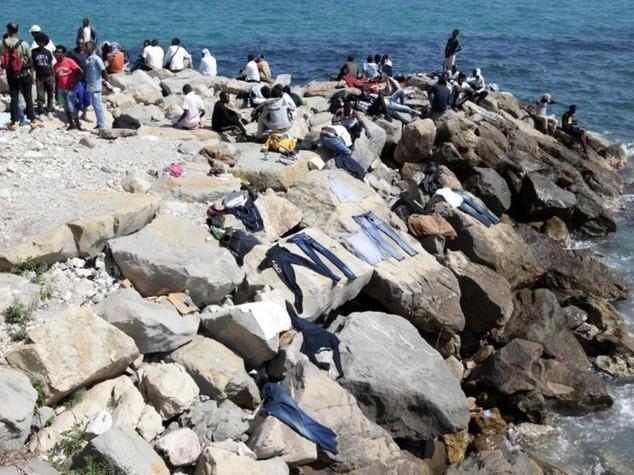 Immigrati: missione navale Ue Lunedi' il varo con i 28 ministri