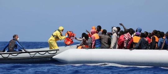 Migranti:concluseaPozzallole operazioni dipreidentificazione