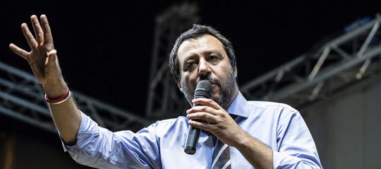 """Migranti: Salvini, """"Alcune Ong sono avvoltoi in cerca di barconi"""""""
