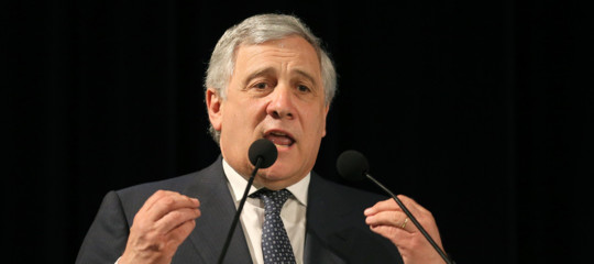 """Tajani, """"Serve uncensimento delle Ong, no al mercato deimigranti"""""""