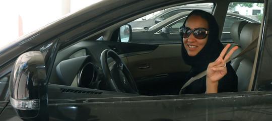 Da oggi le donnesauditepossono guidare