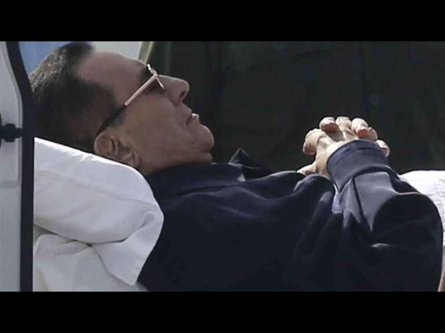 Verdetto su Mubarak rinviato al 29 novembre