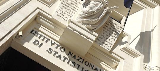 Istat: in calo nel primo trimestre deficit/Pile pressione fiscale