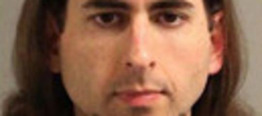 Il killer dellaGazetteè stato identificatograzie al riconoscimento facciale. Si era cancellato le impronte