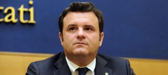 Il ministro Centinaio vuole reintrodurre i voucher in agricoltura