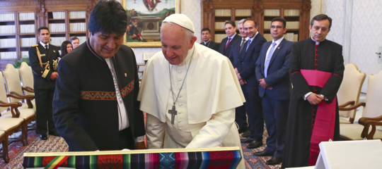"""Papa: 35 minuti con Morales.""""La pace si fonda sulla giustizia"""""""