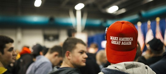 Rifiuta di servire un cliente col cappello diTrump. E viene licenziato