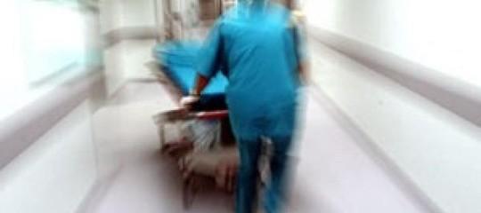 Gb: operatrice sanitaria arrestata per la morte di 8 neonati