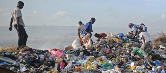 al qaeda somalia sacchetti plastica
