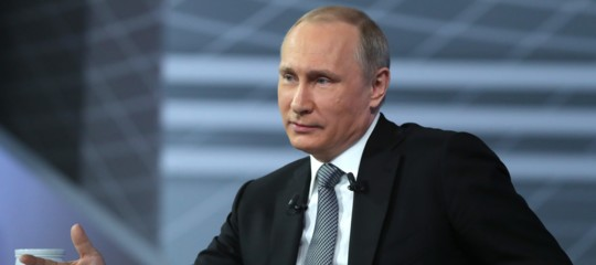 """Gb: intossicati da Novichok; Russia, """"stupido chipensa a noi"""""""