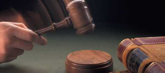 Fecondazione, tribunale Pistoia ordina atto di nascita con l'indicazione didue madri