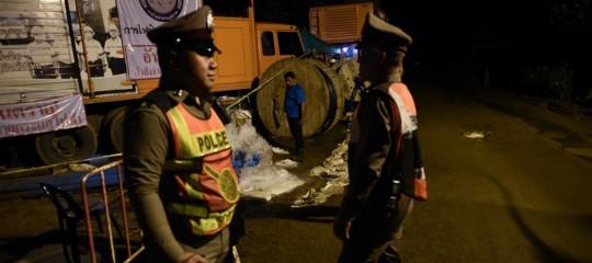 I sub torneranno nella grotta alle prime luci dell'alba. Il punto sui soccorsi in Thailandia